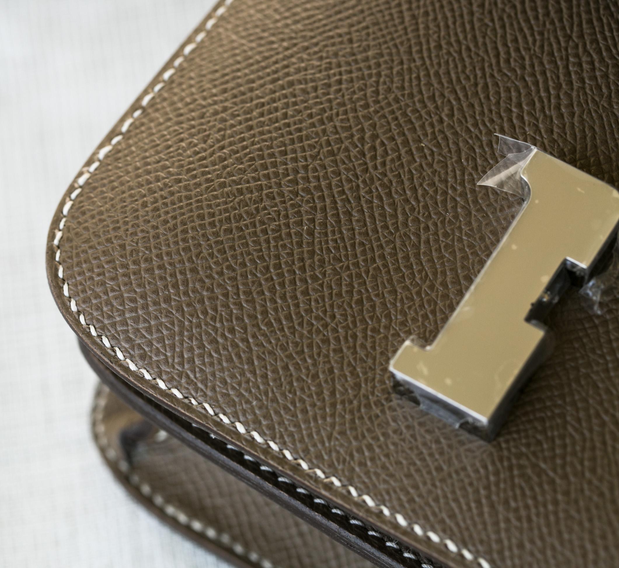 爱马仕空姐包价格 Hermes CK18大象灰epsom牛皮Constance24cm 银扣