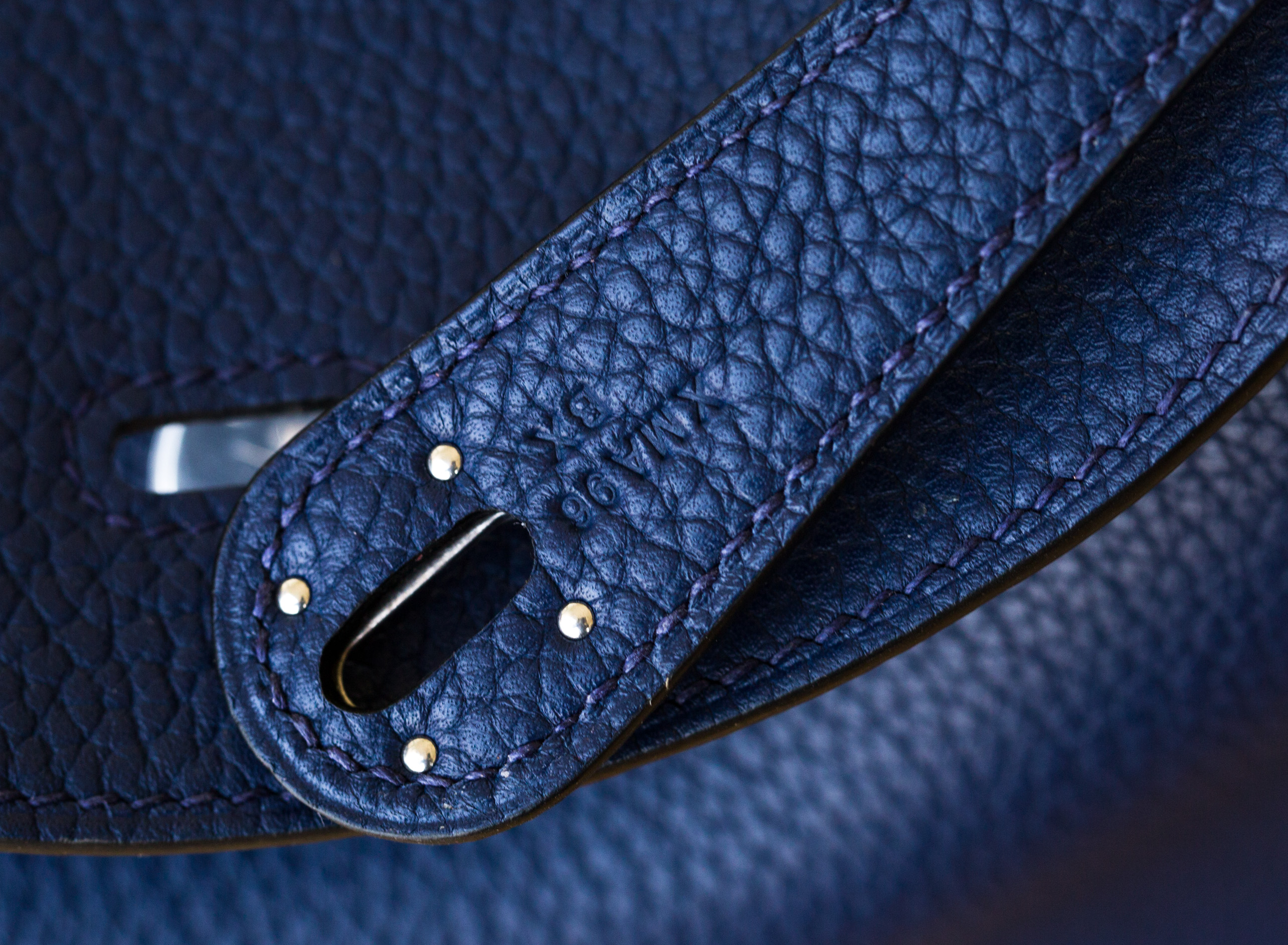爱马仕Lindy包价格 Hermes CK73宝石蓝原厂Togo牛皮琳迪包30cm