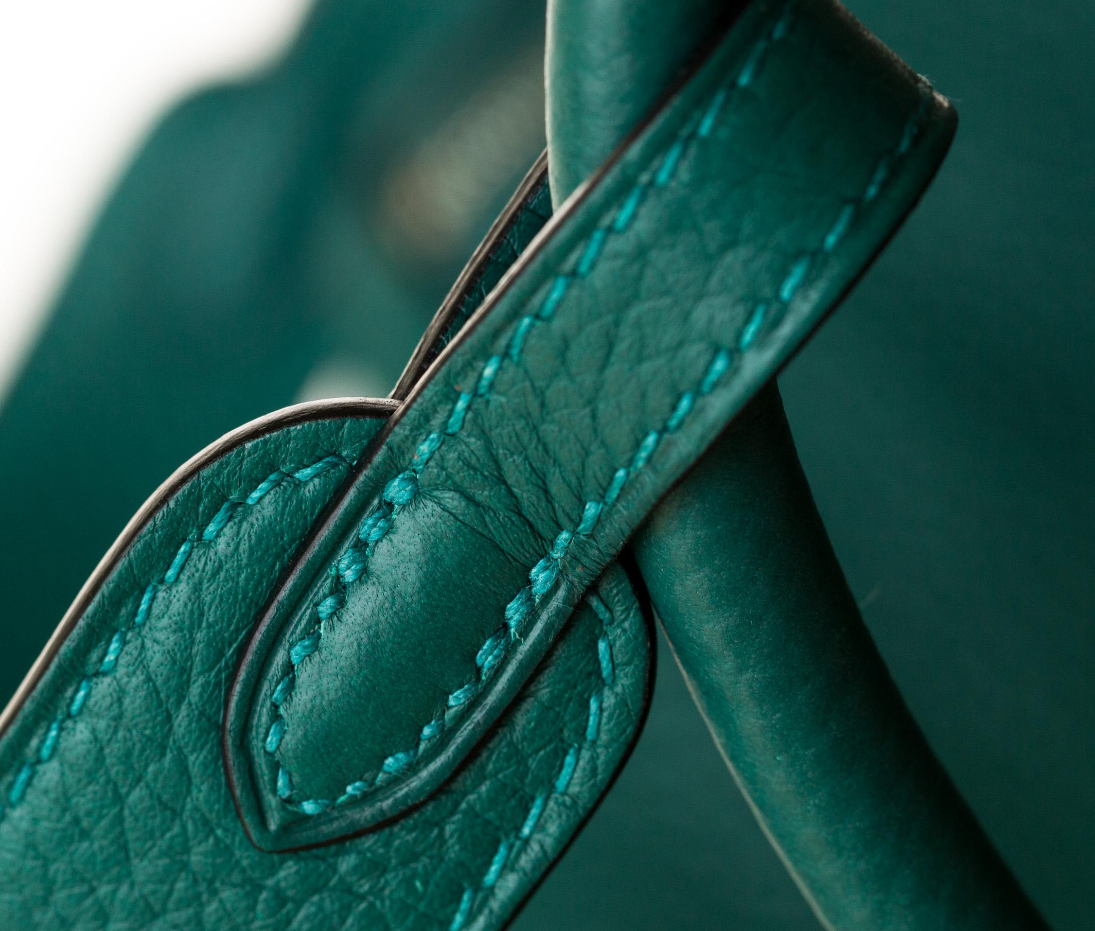 爱马仕琳迪包价格 Hermes Lindy26cm 孔雀绿原厂TC牛皮 银扣
