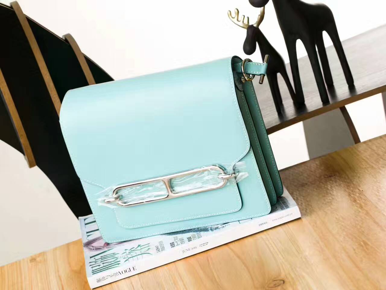 爱马仕包包价格 Hermes 3P马卡龙蓝原厂Swift皮猪鼻子包Roulis23cm