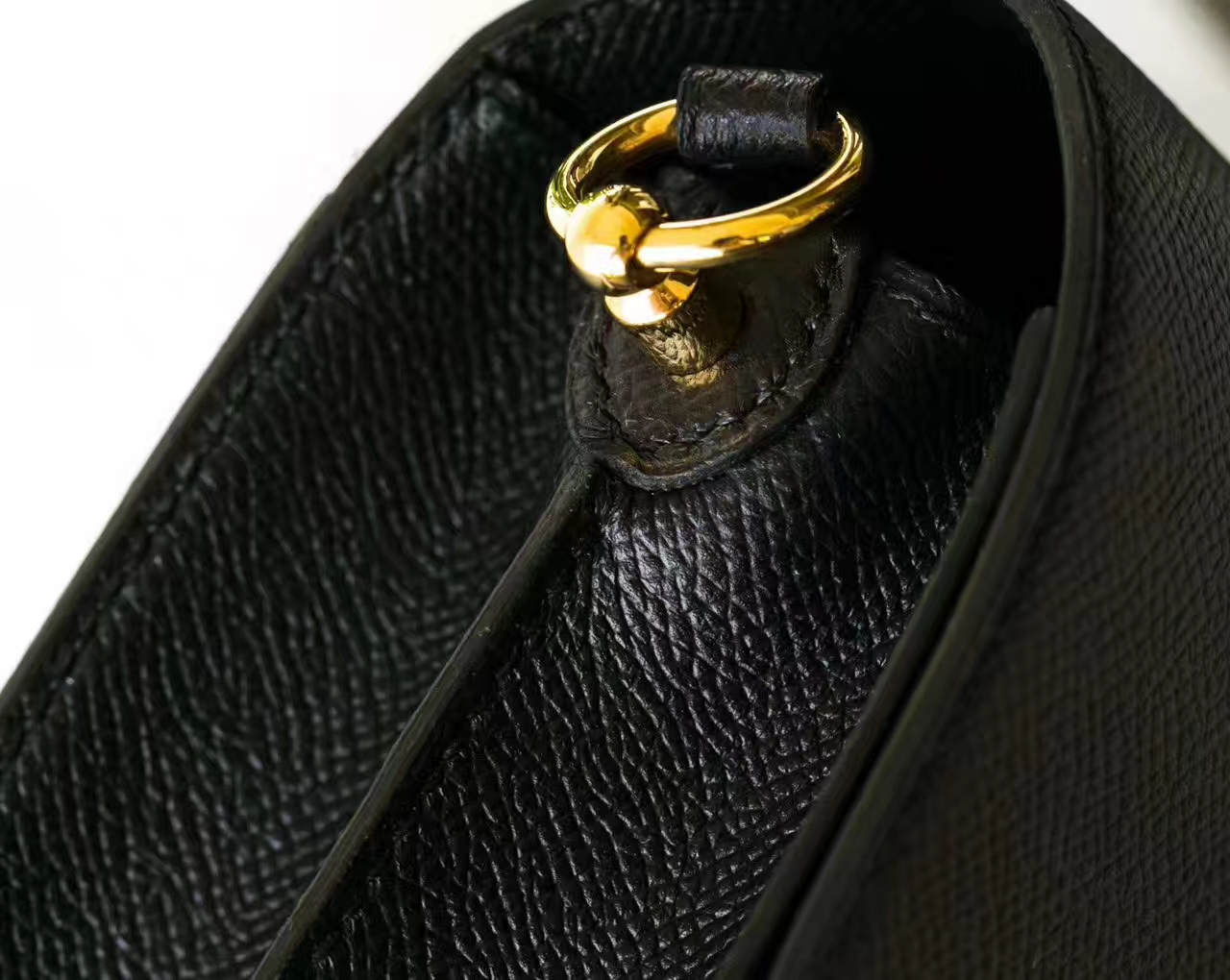 爱马仕包包官网 Hermes 黑色原厂Epsom牛皮猪鼻子包Roulis 19cm 金扣