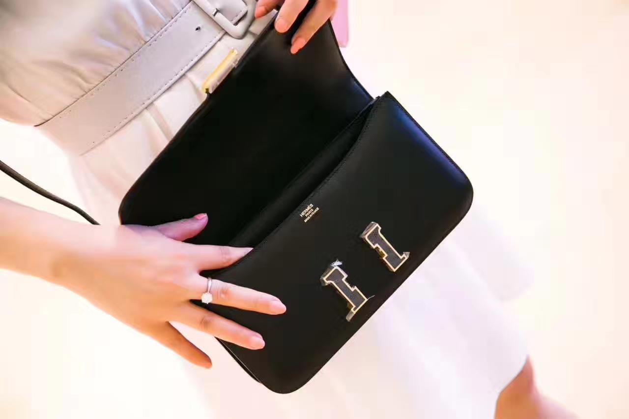爱马仕空姐包价格 Hermes Constance 26cm 黑色Box牛皮蜥蜴金扣