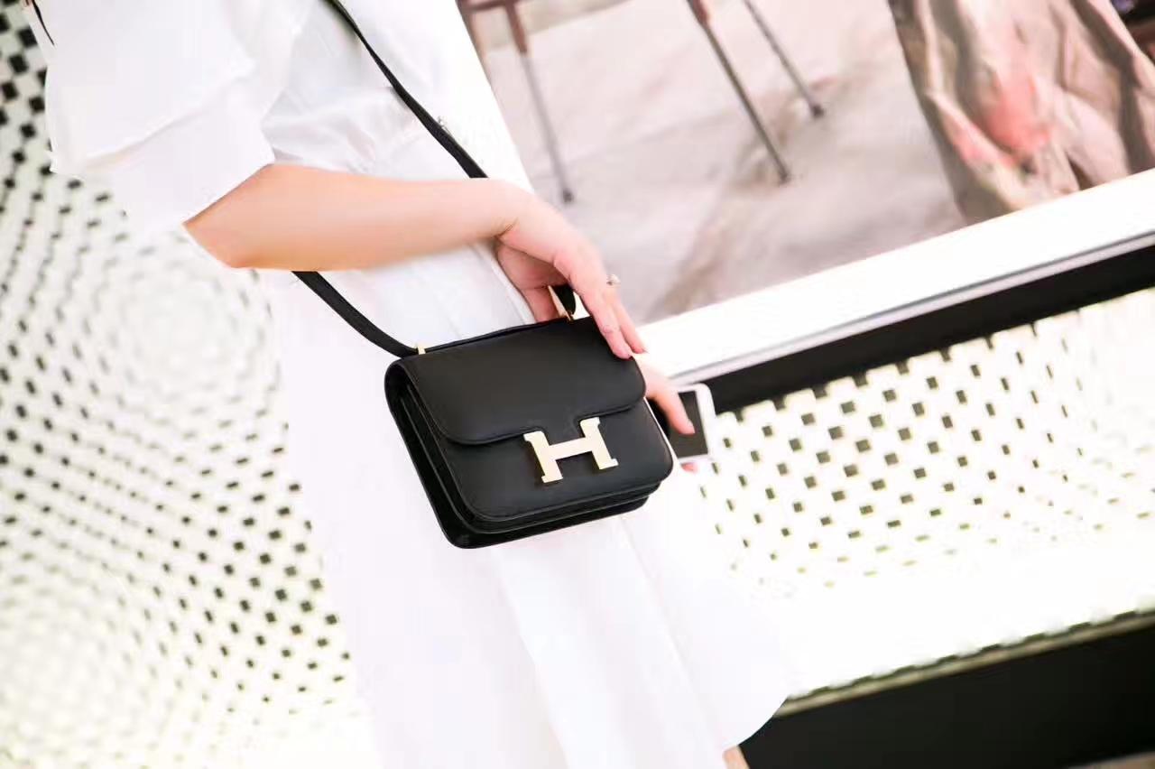 Hermes新款女包 爱马仕黑色原厂Epsom牛皮空姐包Constance18cm