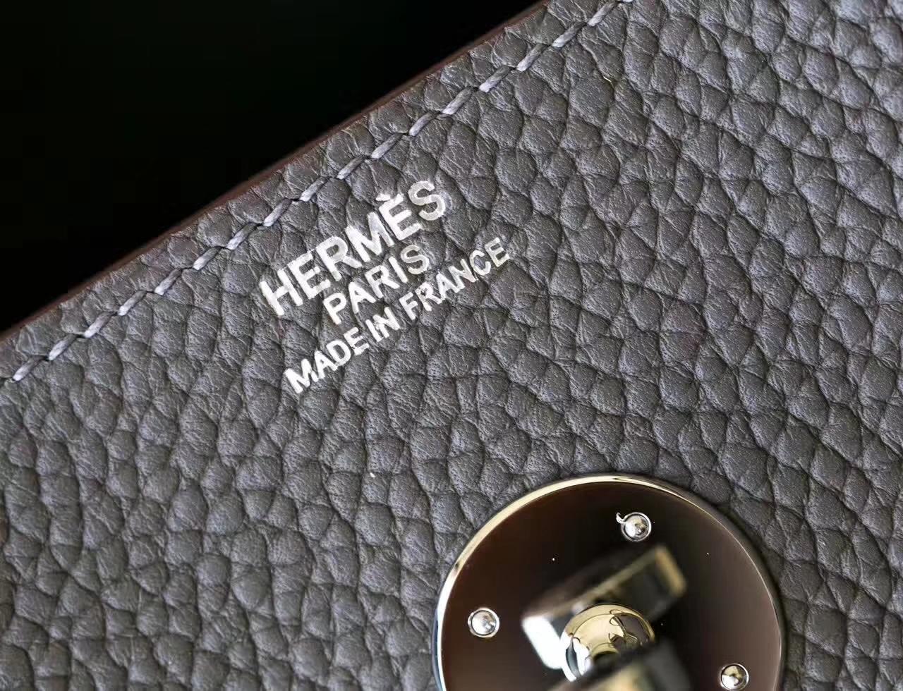 爱马仕琳迪包价格 Hermes Lindy30cm 8F锡器灰TC牛皮 银扣