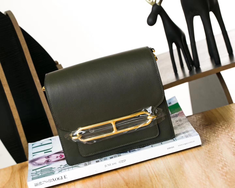 厂家直销 Hermes爱马仕英国绿Swift牛皮Roulis猪鼻子包18cm 金扣