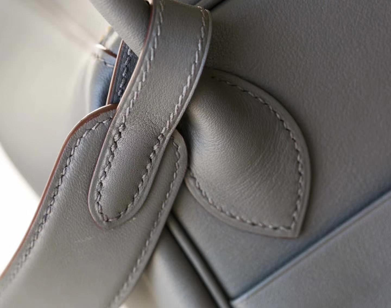 爱马仕Lindy包包 Hermes巴黎灰顶级Swift牛皮琳迪包30cm 金扣