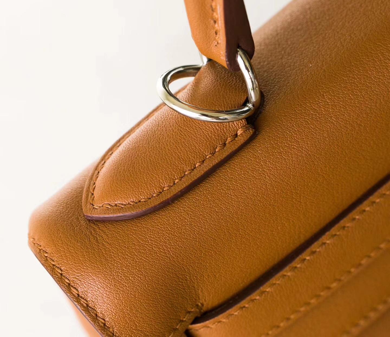 Hermes爱马仕凯莉包 CK37金色原厂Swift牛皮Kelly包包28CM 银扣