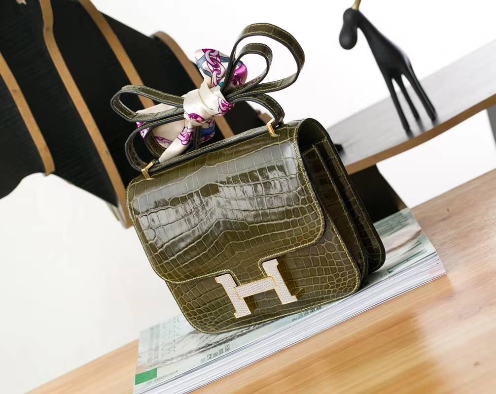 爱马仕空姐包价格 Hermes Constance19CM 橄榄绿亮面鳄鱼皮 钻石扣