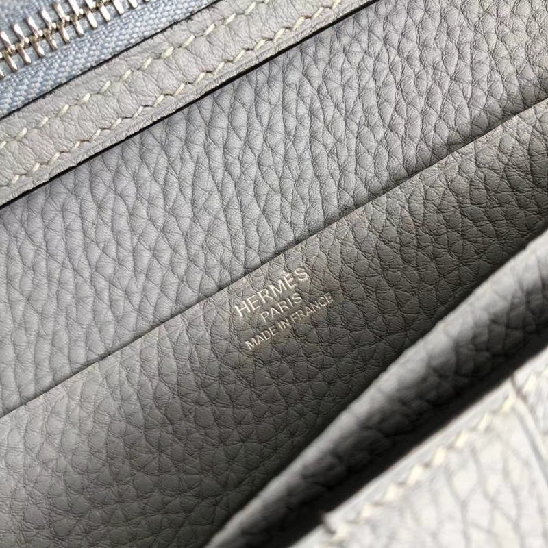 爱马仕钱包价格 Hermes Bearn 冰川蓝Togo牛皮西装夹长款钱夹 银扣