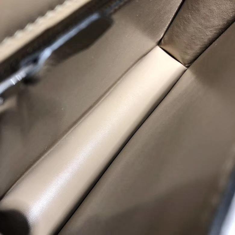 Hermes包包官网 爱马仕原厂Epsom牛皮空姐包Constance24CM 斑鸠灰银扣