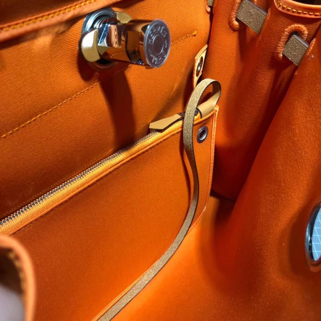 Hermes包包官网 爱马仕Herbag马鞭皮拼帆布手提单肩包31CM 橙色拼浅啡