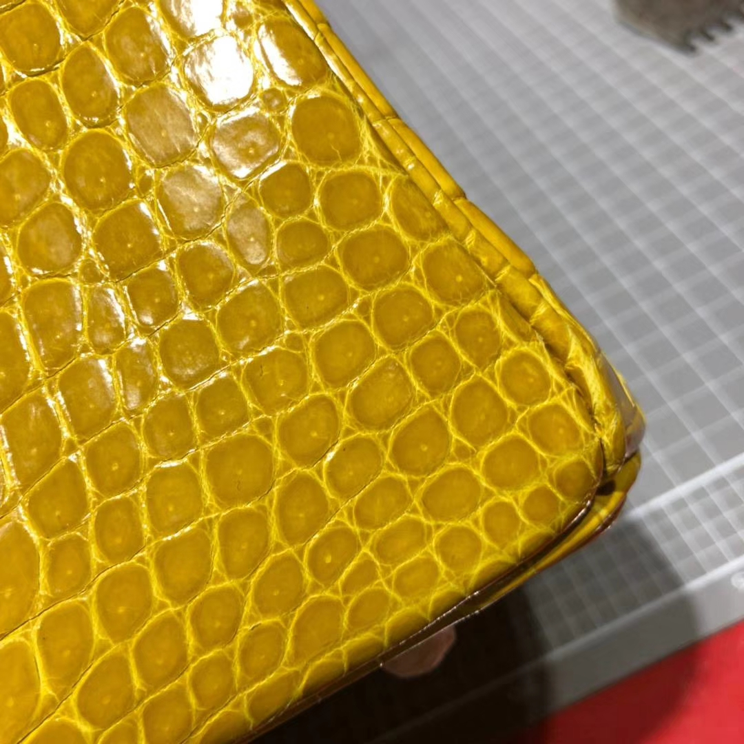 爱马仕Birkin包包 Hermes亮面倒V湾鳄鱼皮Birkin30铂金包 9D琥珀黄 金扣