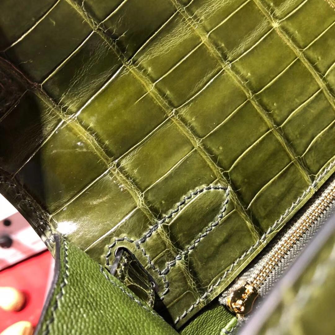 爱马仕凯莉包价格 Hermes Kelly28CM 丛林绿两点尼罗鳄鱼皮 金扣