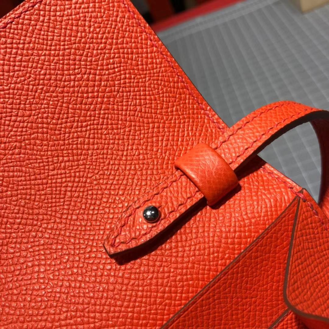 爱马仕包包官网 Hermes Clic 16CM 掌纹牛皮新款单肩斜挎女包 橙色 银扣