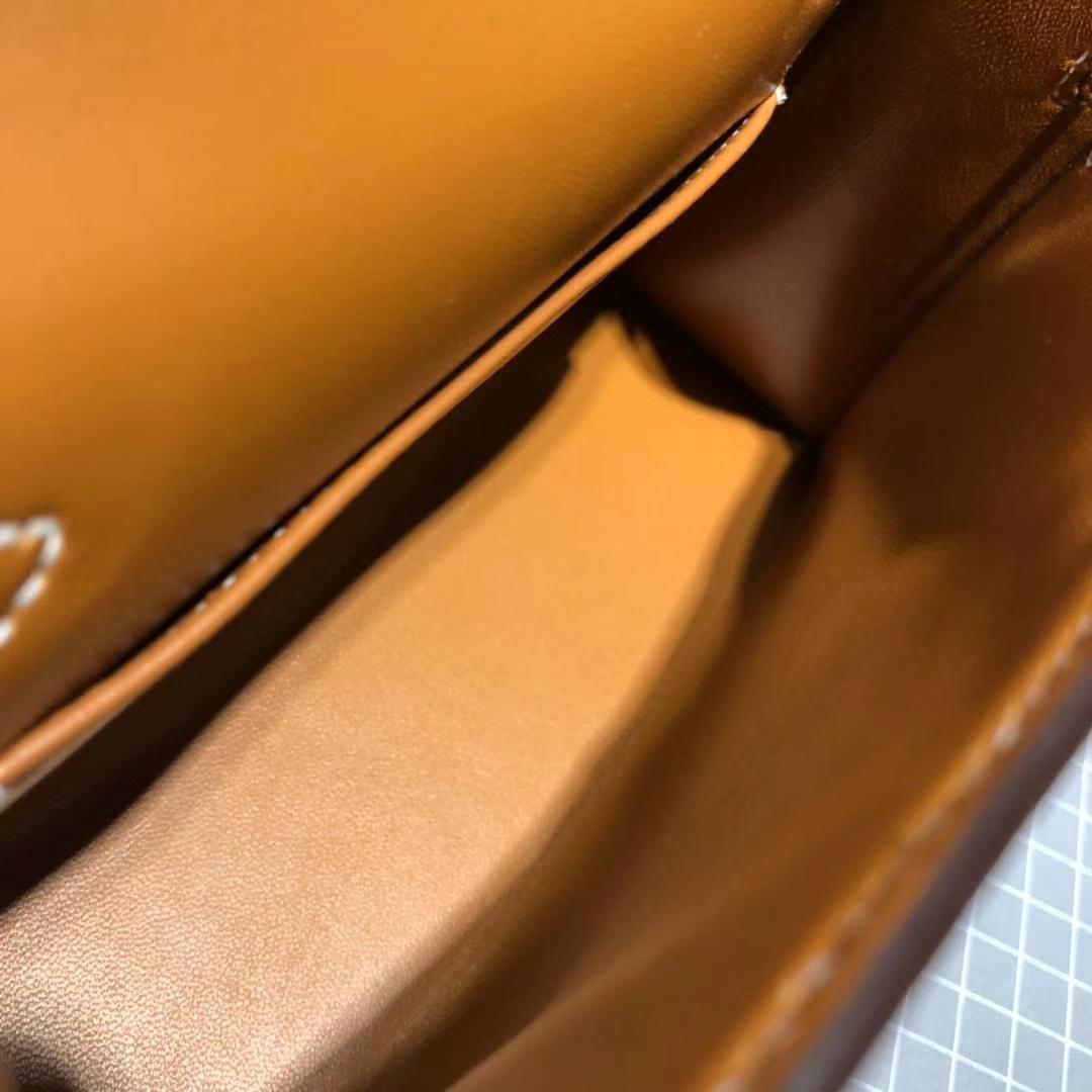 爱马仕迷你凯莉包2代 Hermes土黄色顶级山羊皮Minikelly2代手包 金扣