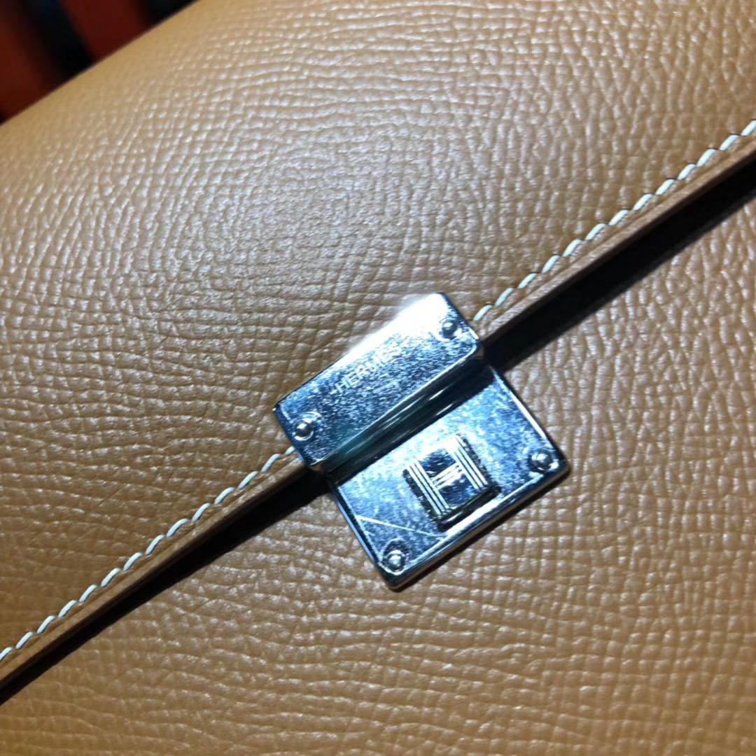爱马仕新款女包 Hermes Clic16CM 土黄色Epsom牛皮单肩斜挎包 银扣