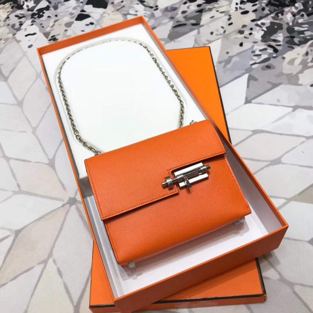 爱马仕新款女包 Hermes Verrou18CM 橙色Epsom牛皮手枪包 银扣
