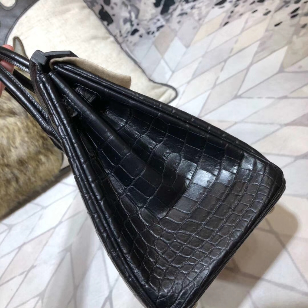 爱马仕Birkin包包 Hermes黑色亚光尼罗鳄鱼皮铂金包Birkin25CM 金扣