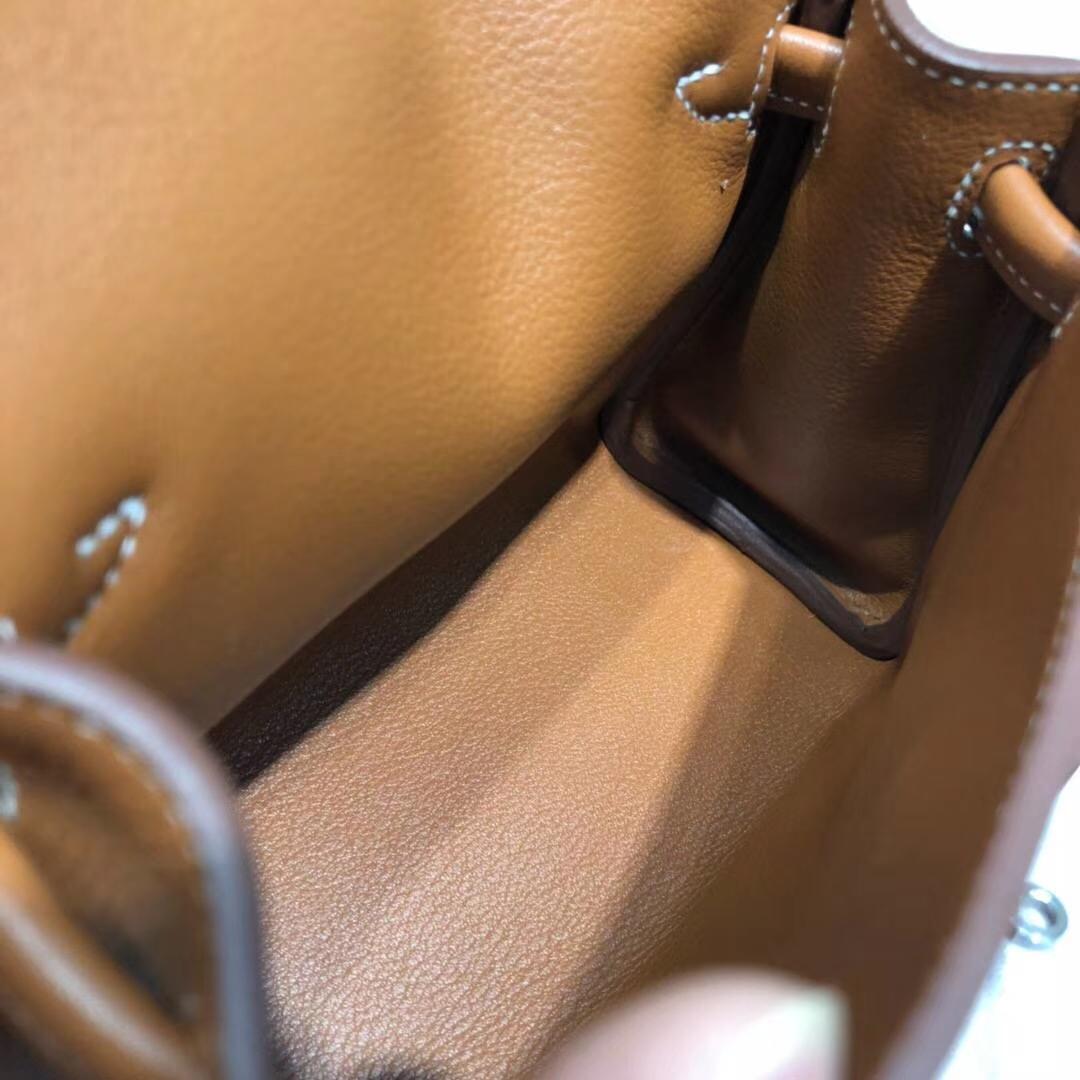 Hermes包包官网 爱马仕土黄色原厂Swift牛皮Kelly Doll凯莉娃娃包 银扣