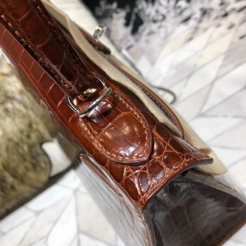 Hermes Kelly28CM 爱马仕焦糖色亮光尼罗鳄鱼皮外缝凯莉包 银扣