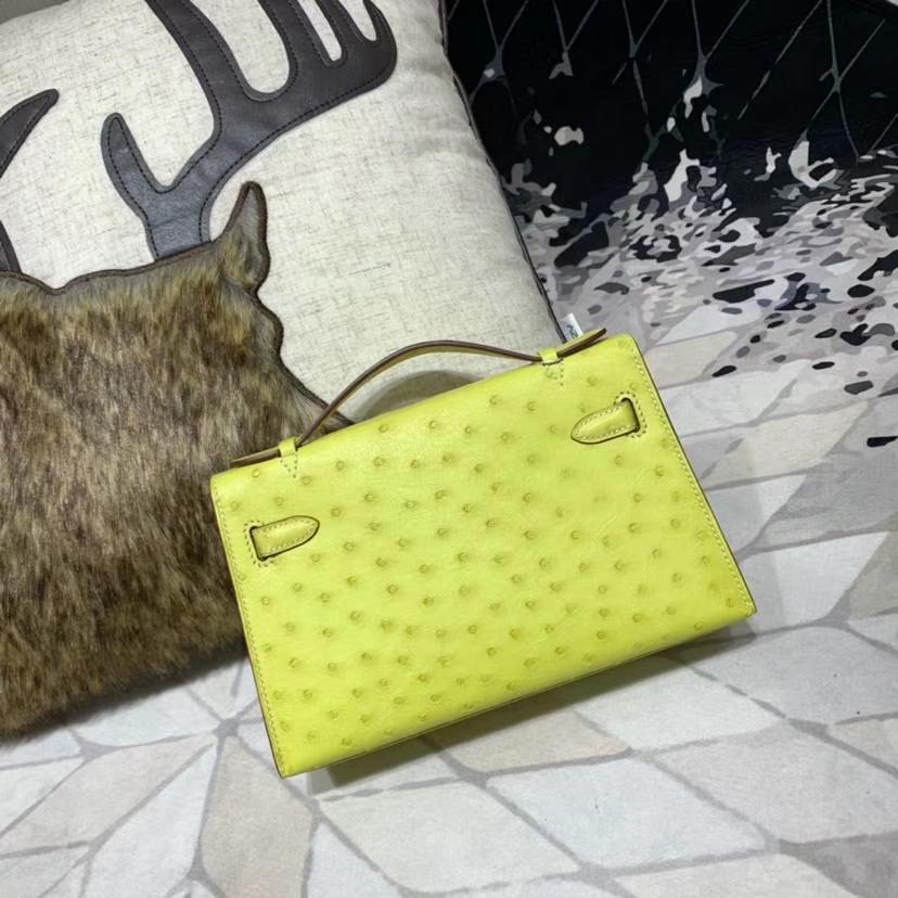 Hermes女包价格 爱马仕柠檬黄南非鸵鸟皮Minikelly迷你凯莉包手拿包22cm 金扣