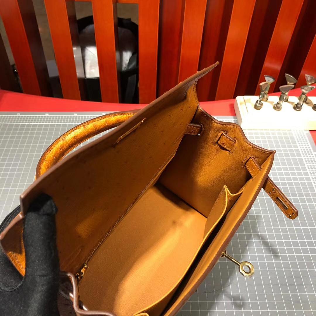 广州包包批发 Hermes爱马仕顶级南非鸵鸟皮凯莉包Kelly25CM 琥珀黄 金扣