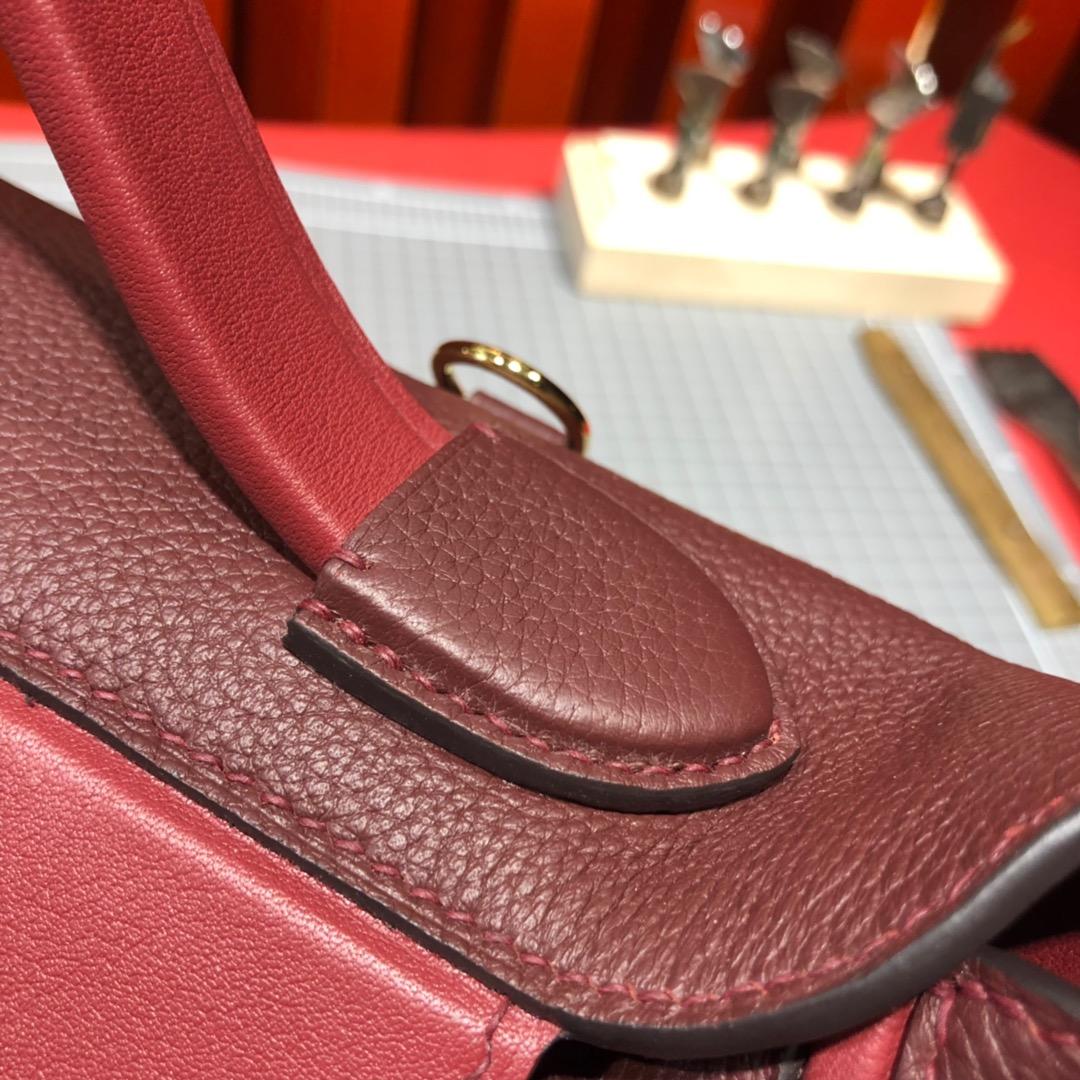 Hermes包包官网 爱马仕波尔多酒红法国Taurillon maurice皮24-24Kelly29CM 金扣