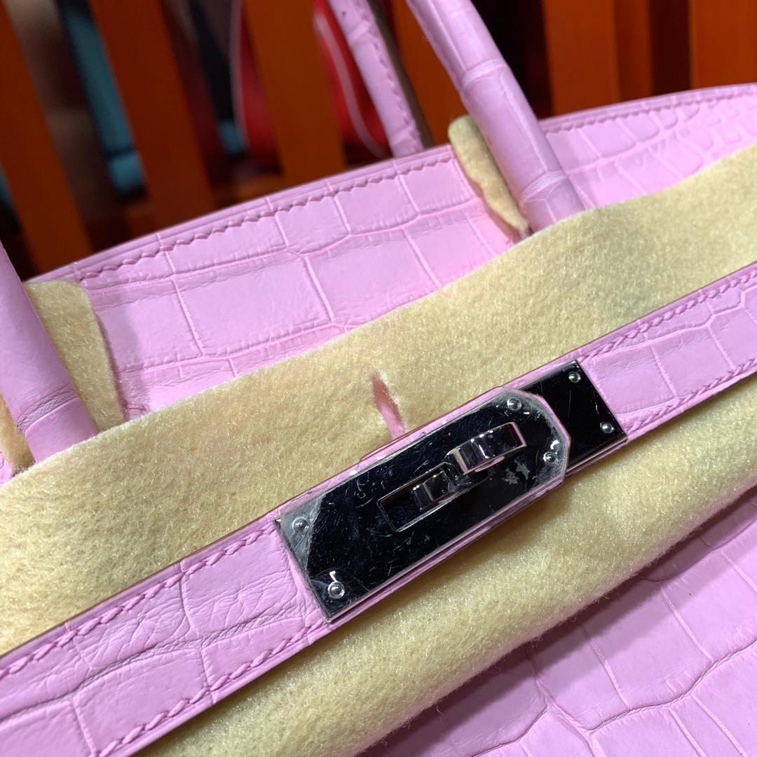 爱马仕铂金包价格 Hermes Birkin30CM 5P樱花粉雾面尼罗鳄鱼皮 银扣