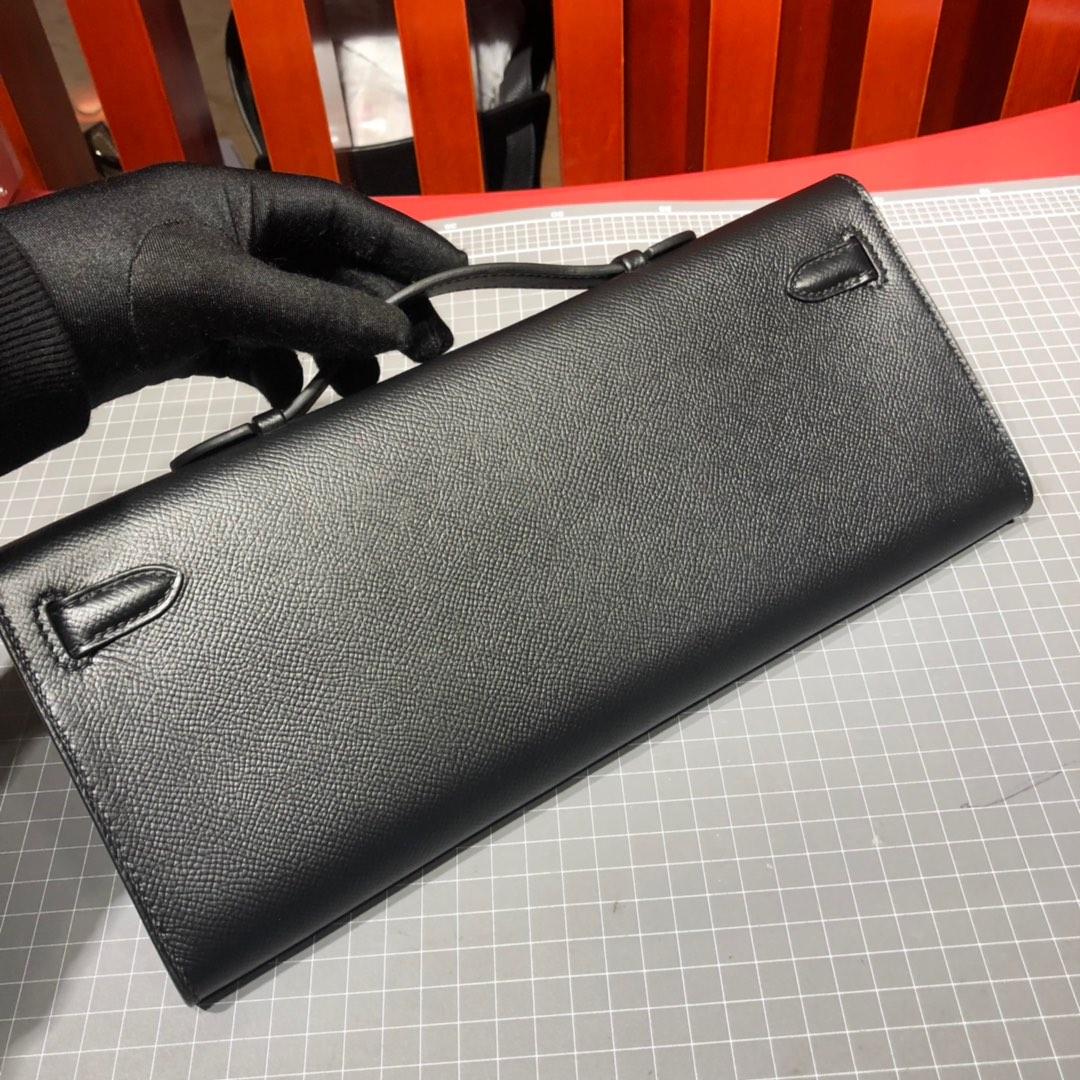 爱马仕包包官网 Hermes Kelly Cut 黑色顶级Epsom牛皮手拿包 银扣