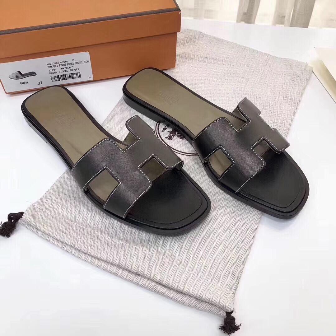 Hermes拖鞋价格 爱马仕经典款拖鞋 深灰色进口顶级牛皮 纯手工