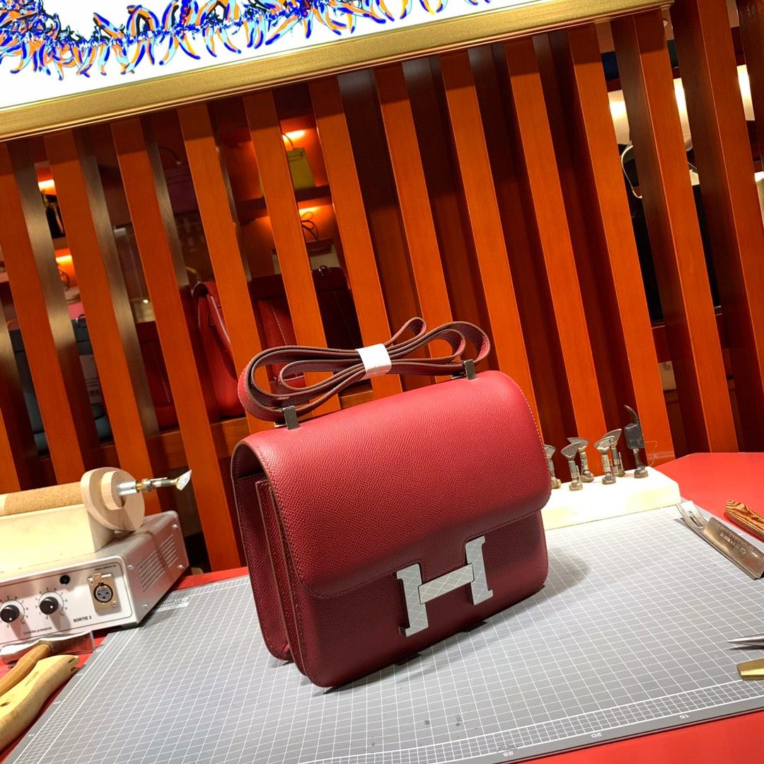爱马仕空姐包价格 Hermes爱马仕红进口十字纹牛皮Constance24CM 银扣