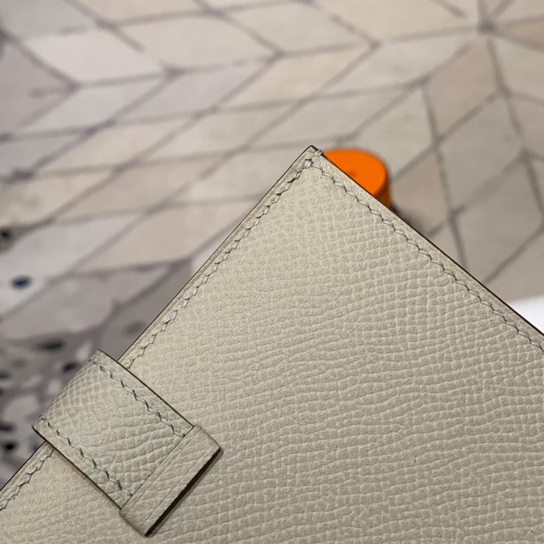 现货 爱马仕Bearn钱夹 Hermes进口Epsom牛皮短款钱包 CC10奶昔白 金扣