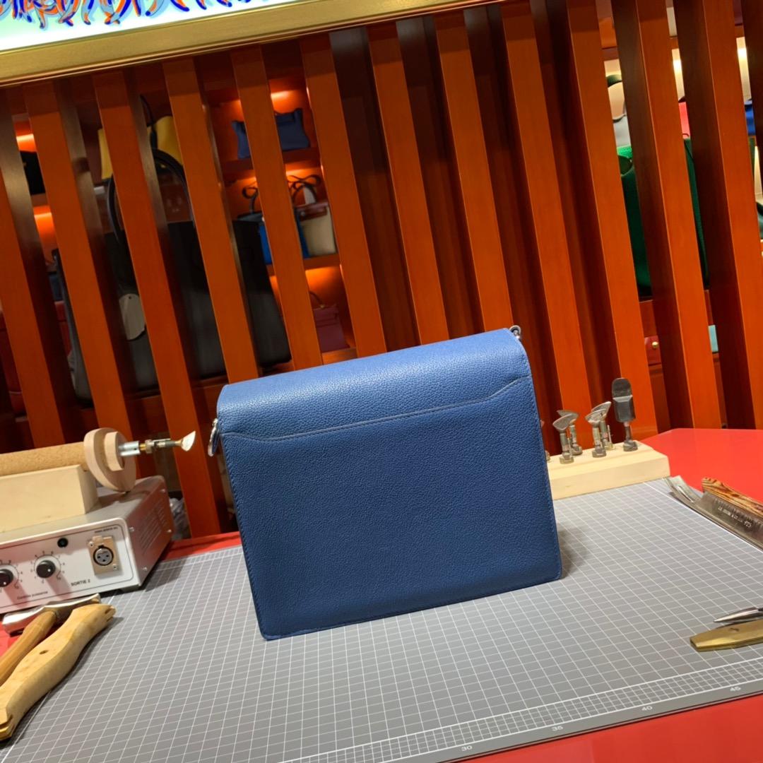 现货 爱马仕斜挎女包 Hermes Roulis24CM R2玛瑙蓝Evercolor皮猪鼻子包