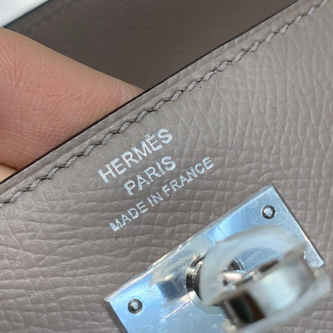 现货 爱马仕凯莉钱夹 Hermes Kelly Wallet M8沥青灰epsom牛皮 银扣