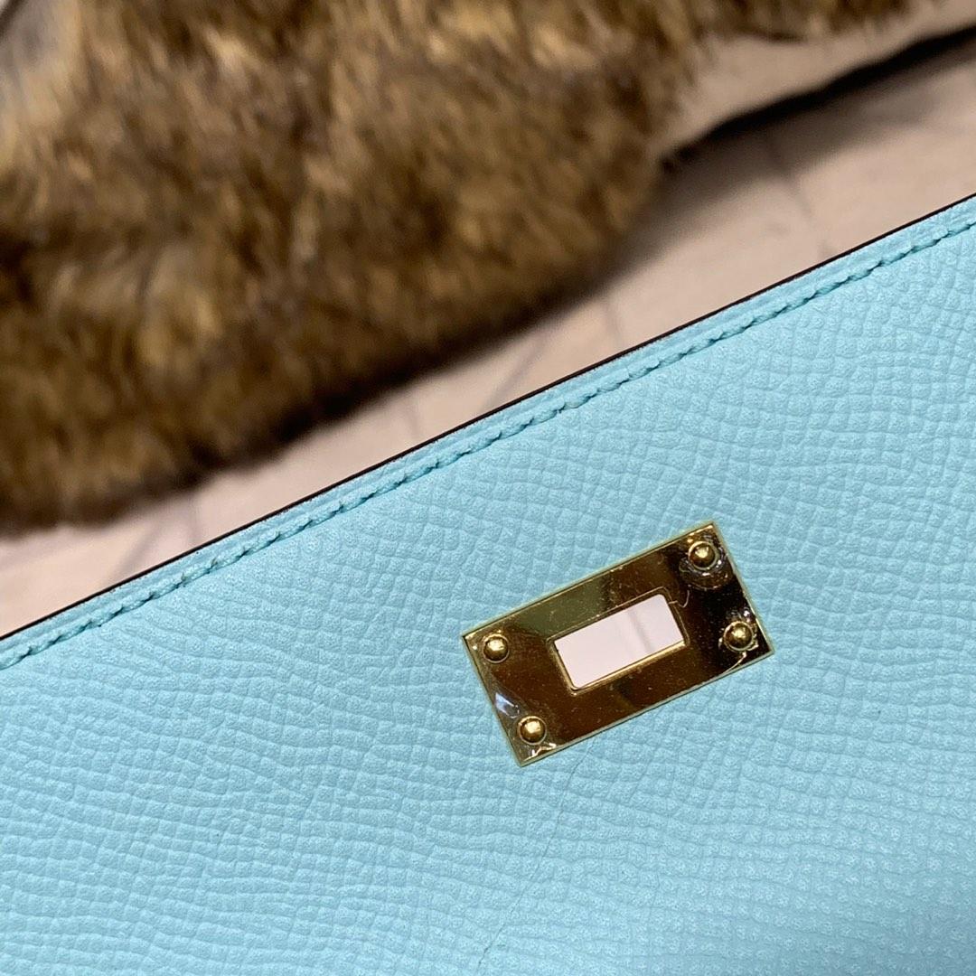 现货 Hermes钱包价格 爱马仕3P马卡龙蓝epsom牛皮凯莉钱包手包 金扣