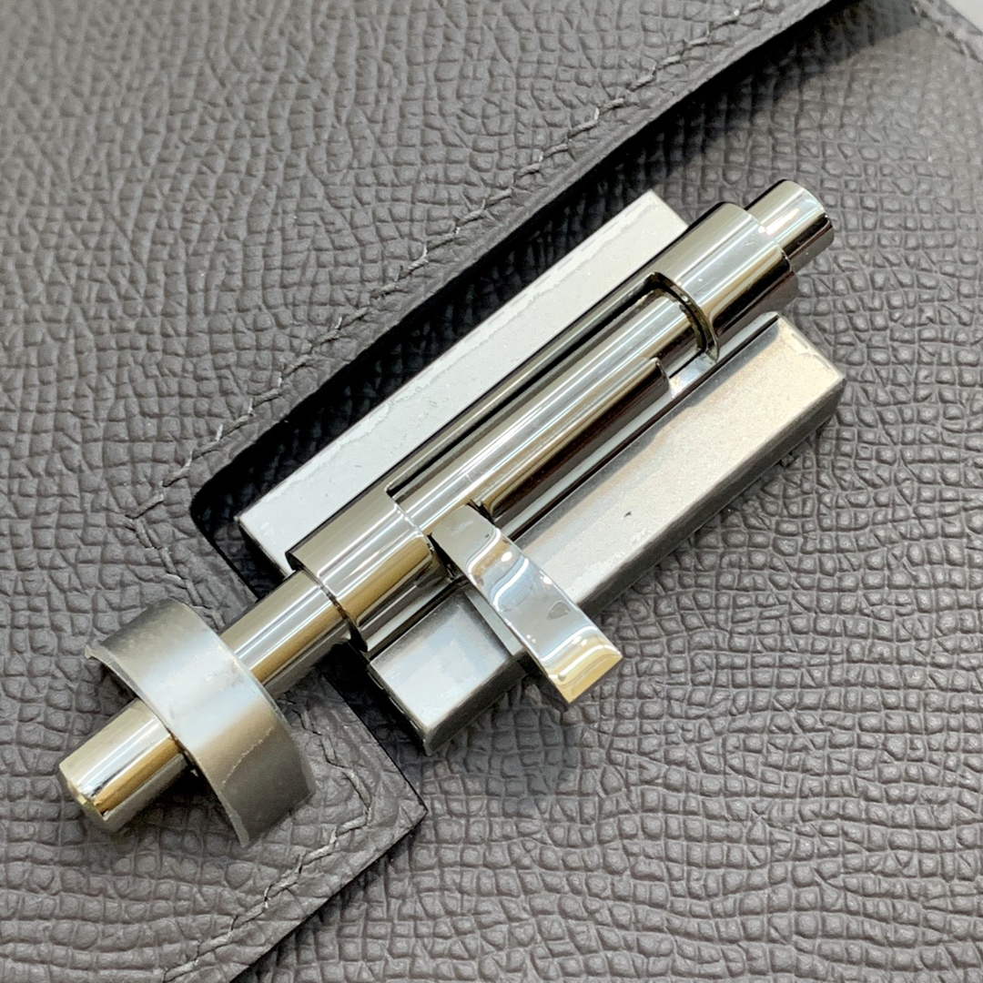订制 Hermes Verrou18CM 爱马仕8F锡器灰Epsom牛皮手枪包链条斜挎女包 银扣