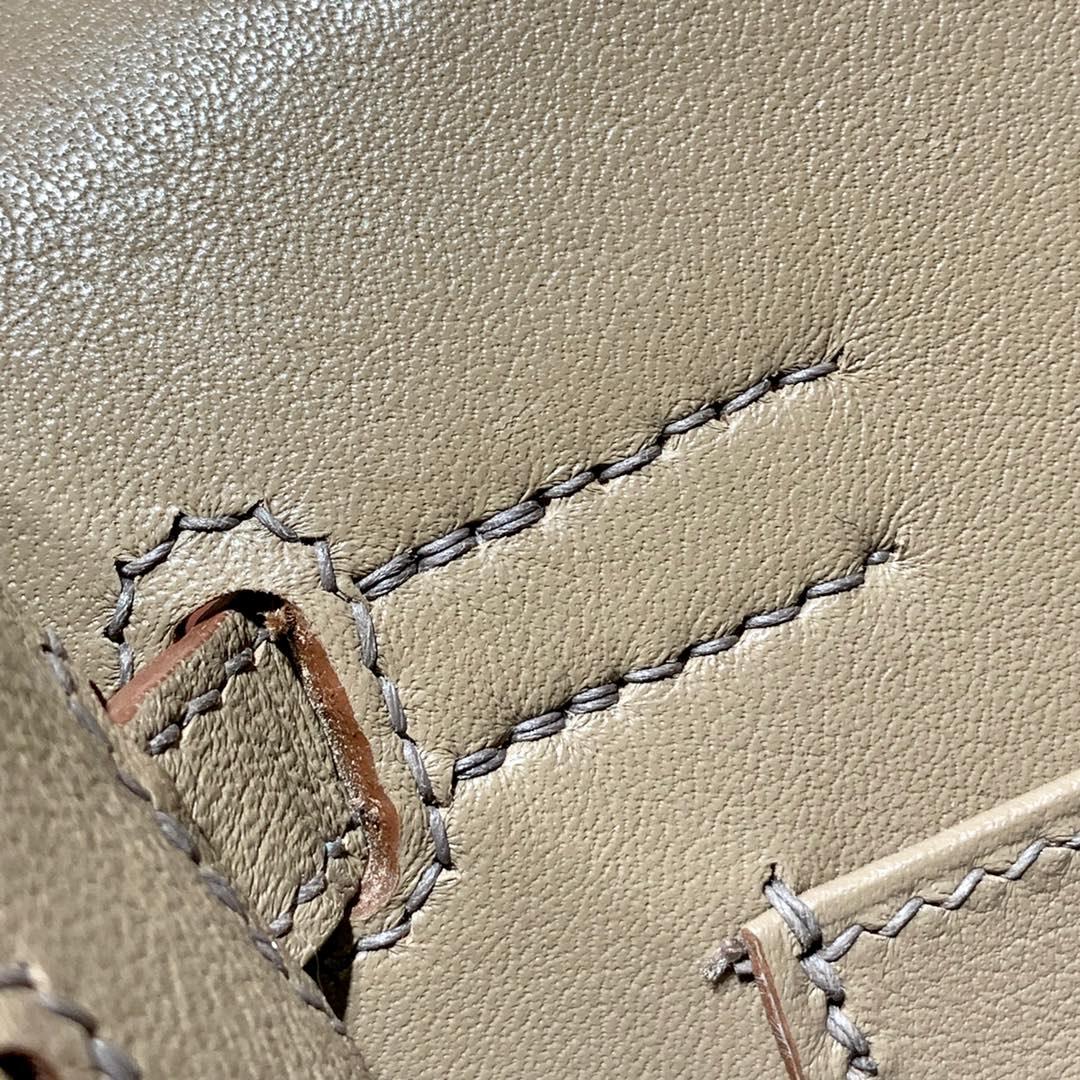 爱马仕新款女包 Hermes Kelly Danse 原厂Swift牛皮蜡线手缝单肩包手拿包 银扣