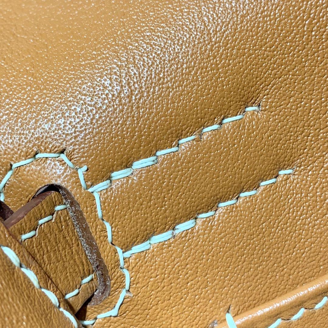 爱马仕包包批发 Hermes Kelly Danse 金棕色进口Swift牛皮多种背法 金扣