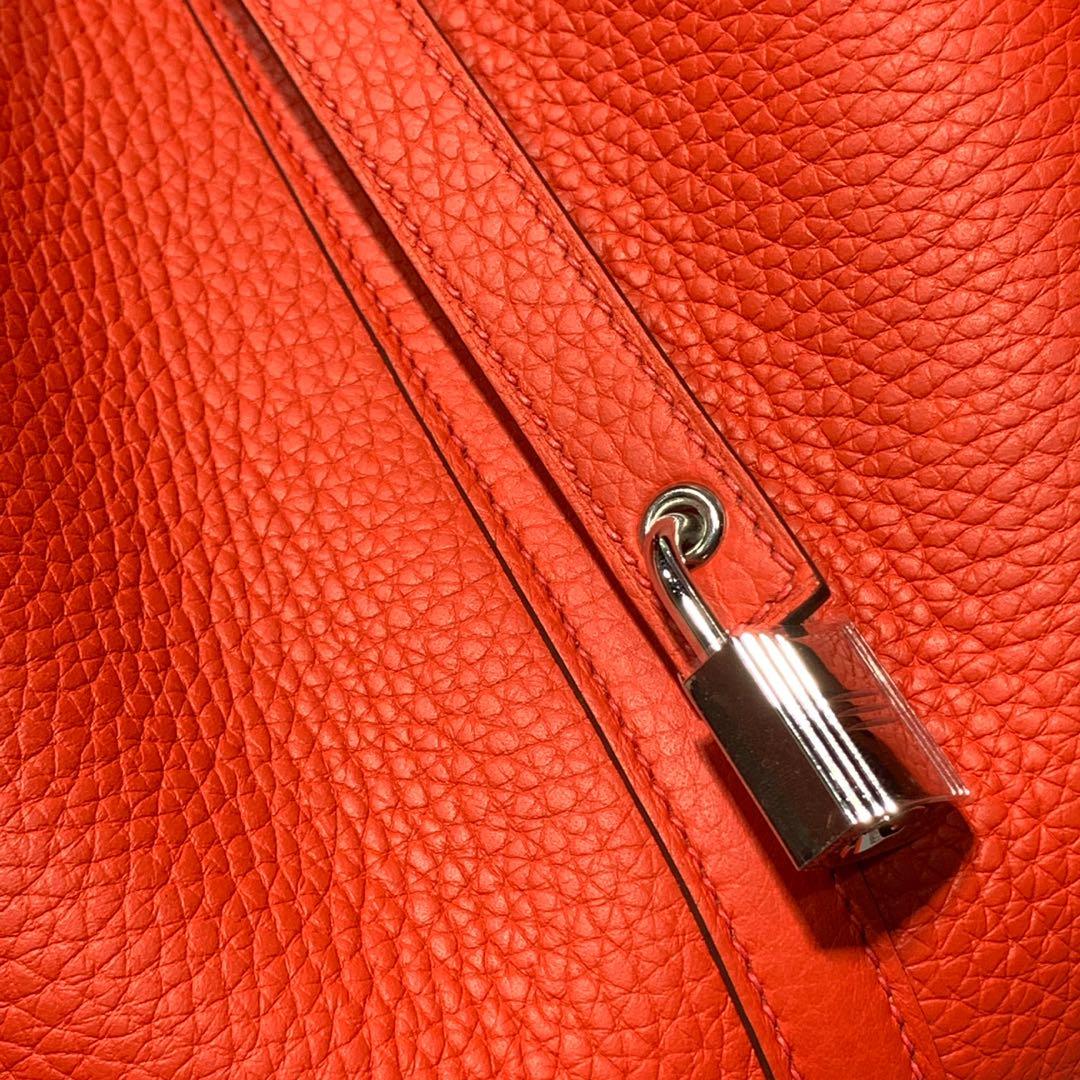 爱马仕包包官网 Hermes Picotin22CM 蕃茄红荔枝纹牛皮水桶包 银扣
