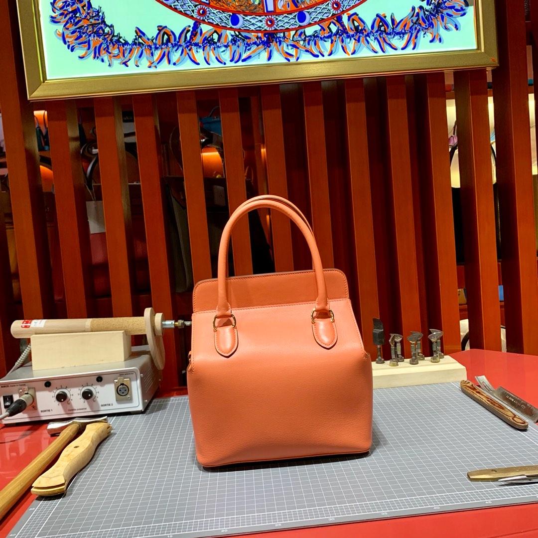 Hermes女包价格 爱马仕进口Swift牛皮工具包盒子包Toolbox20cm 金扣