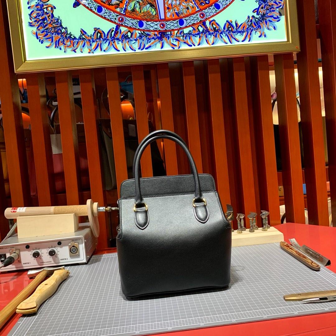 爱马仕女包批发 Hermes Toolbox20CM 黑色Swift牛皮工具盒子包 金扣