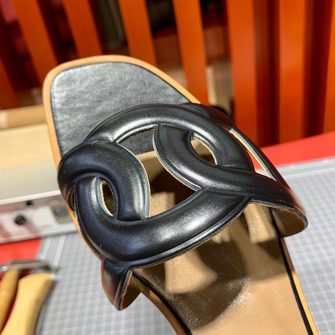 现货 Hermes平底拖鞋 爱马仕Swift牛皮女款猪鼻子拖鞋34-41码 黑色