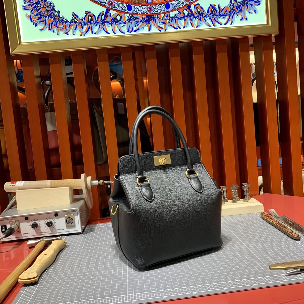 蜡线手工缝制 Hermes爱马仕进口Evercolor牛皮Toolbox盒子包20cm 黑色金扣