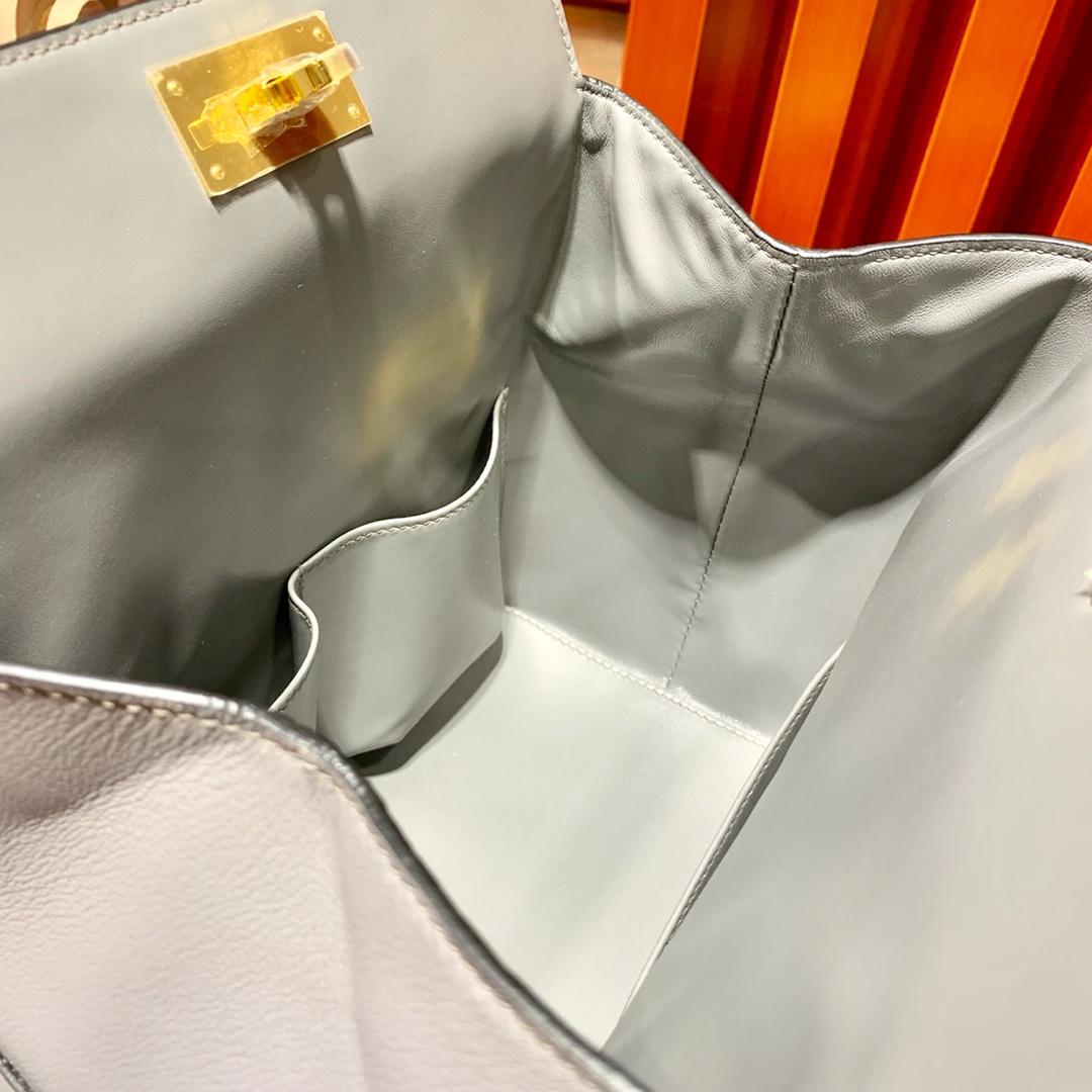 Hermes Toolbox20cm 爱马仕锡器灰进口Swift牛皮牛奶包盒子包 金扣
