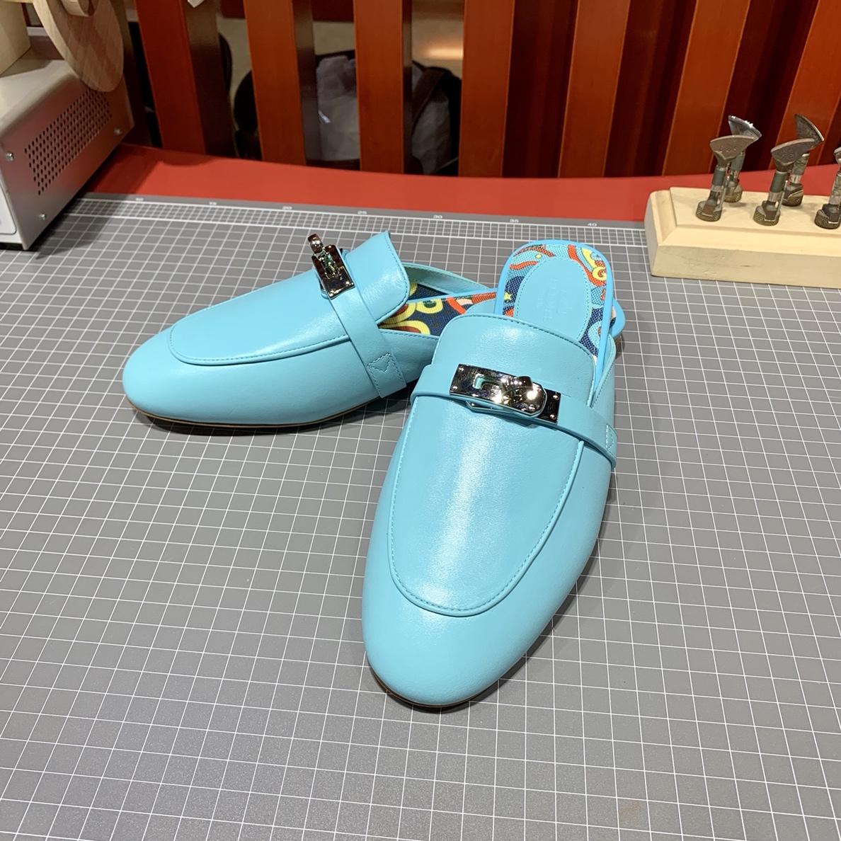 Hermes拖鞋批发 爱马仕原厂Swift牛皮OZ mule穆勒鞋凯莉拖鞋 马卡龙蓝