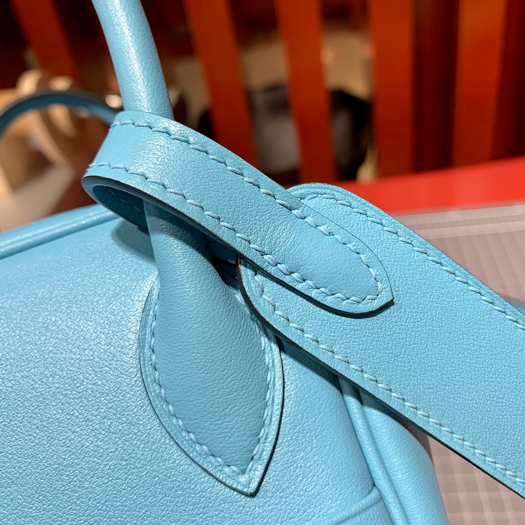 爱马仕琳迪包价格 Hermes Mini Lindy 20cm P3北方蓝Swift牛皮 银扣
