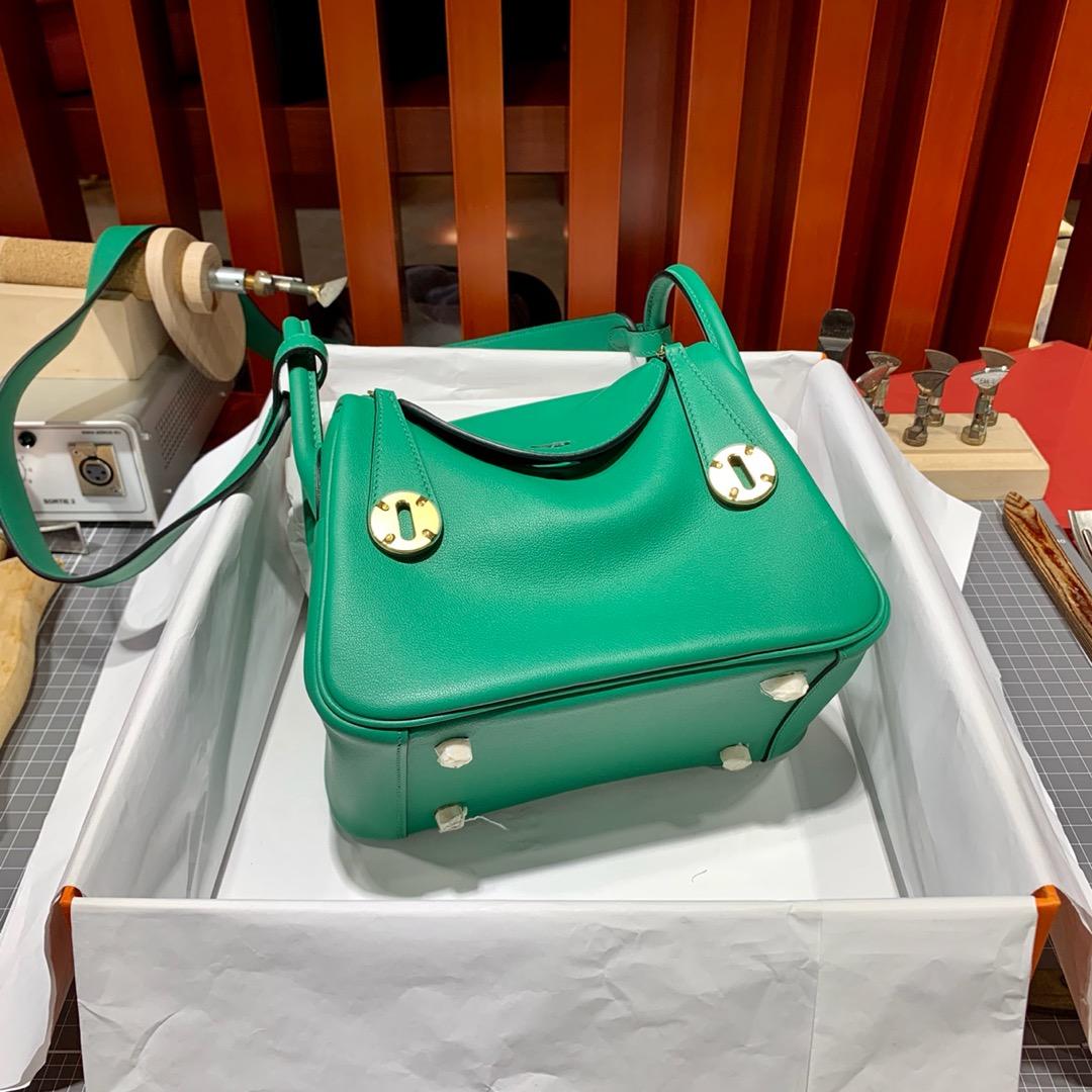 一件代发 Hermes爱马仕丝绒绿原厂Swift皮迷你琳迪包Mini Lindy20cm