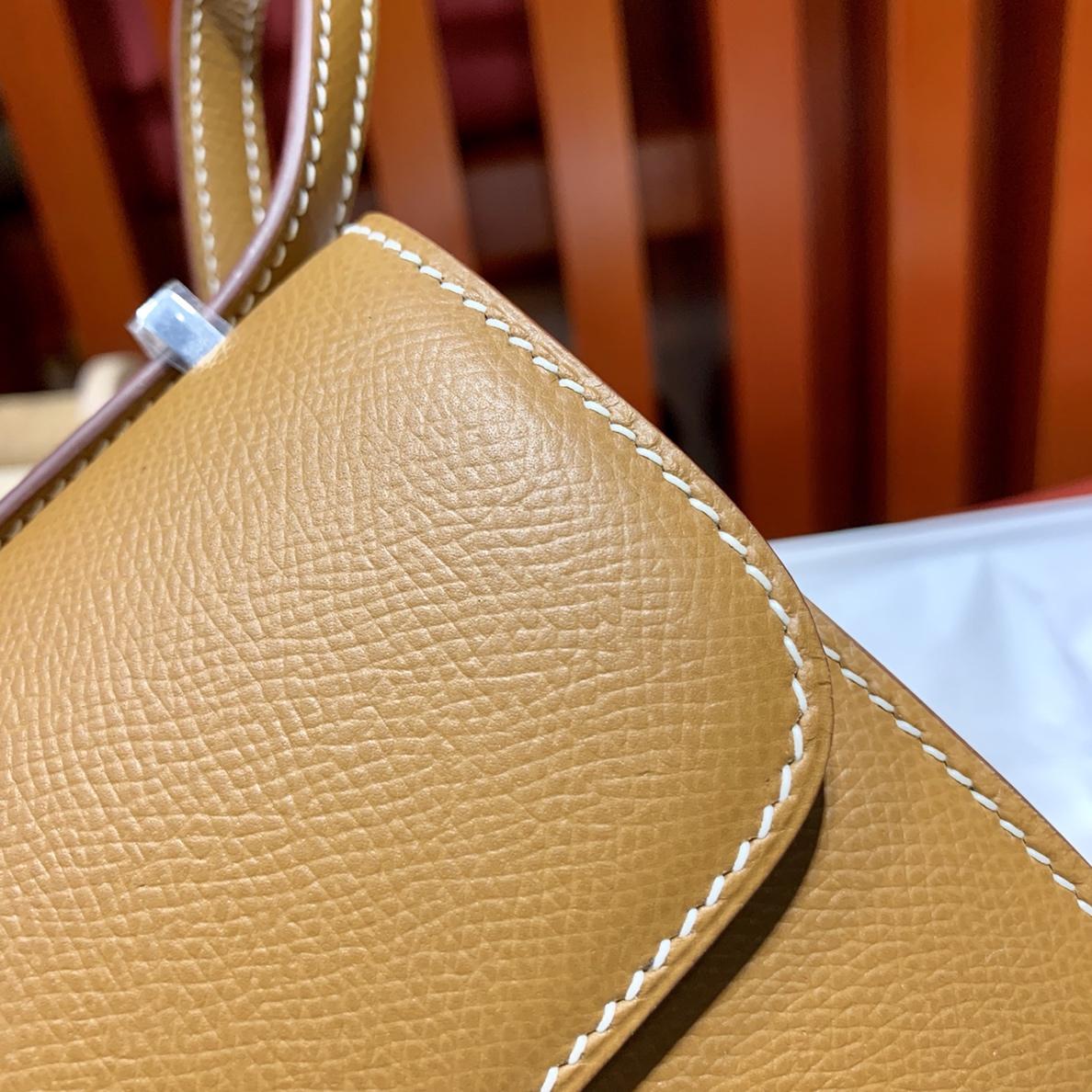 爱马仕康斯坦包价格 Hermes Mini Constance14cm 土黄色Epsom皮 金扣