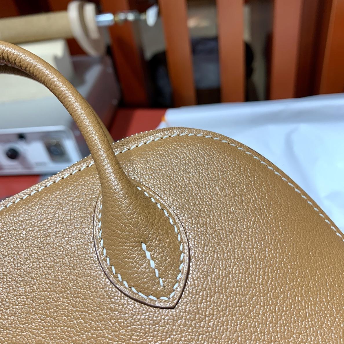 爱马仕迷你保龄球包 Hermes Mini Bolide18CM 土黄色Evercolor皮 银扣