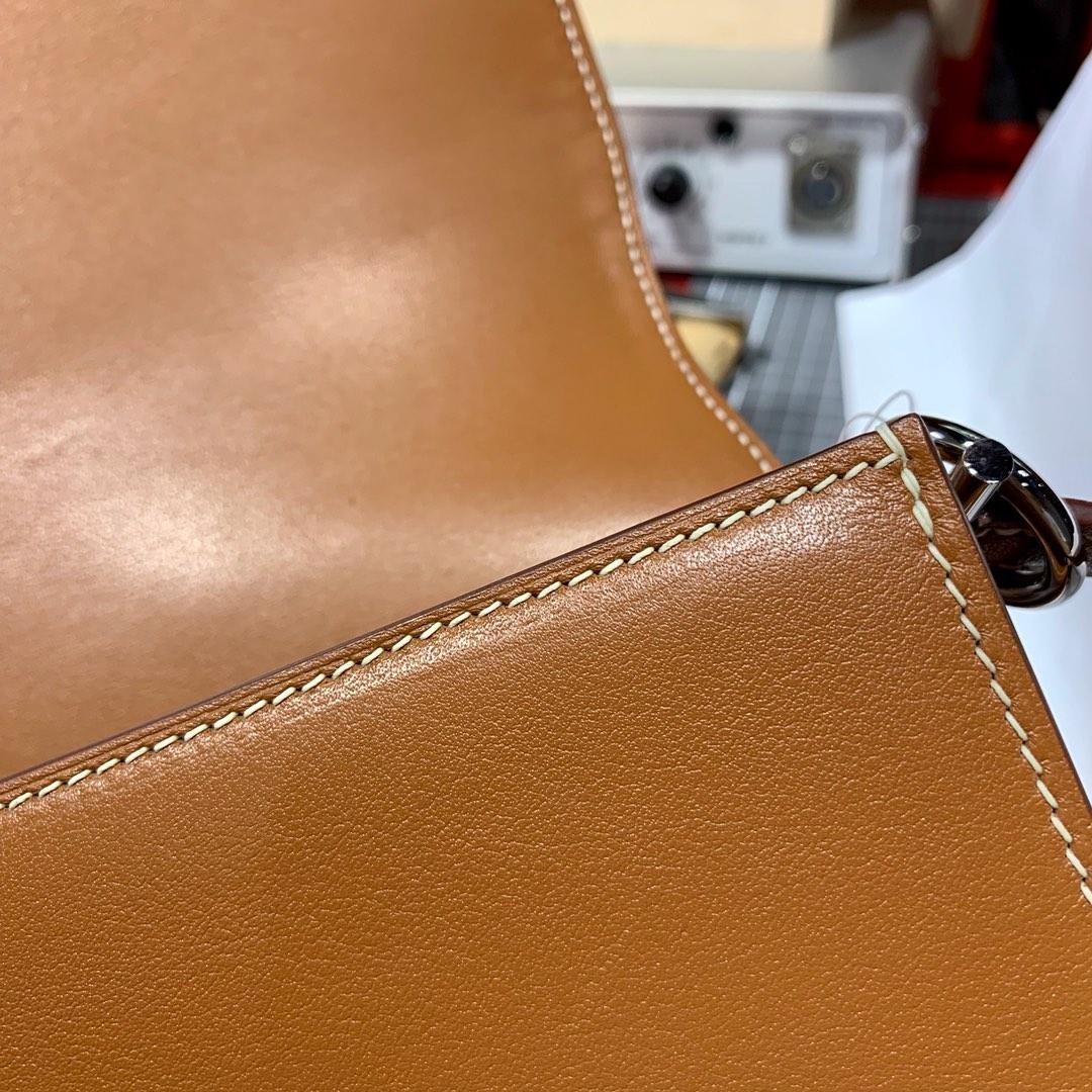 爱马仕猪鼻子包 Hermes土黄色Swift皮拼帆布Roulis24CM 银扣